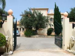 Villa for sale in Algarve Loulé